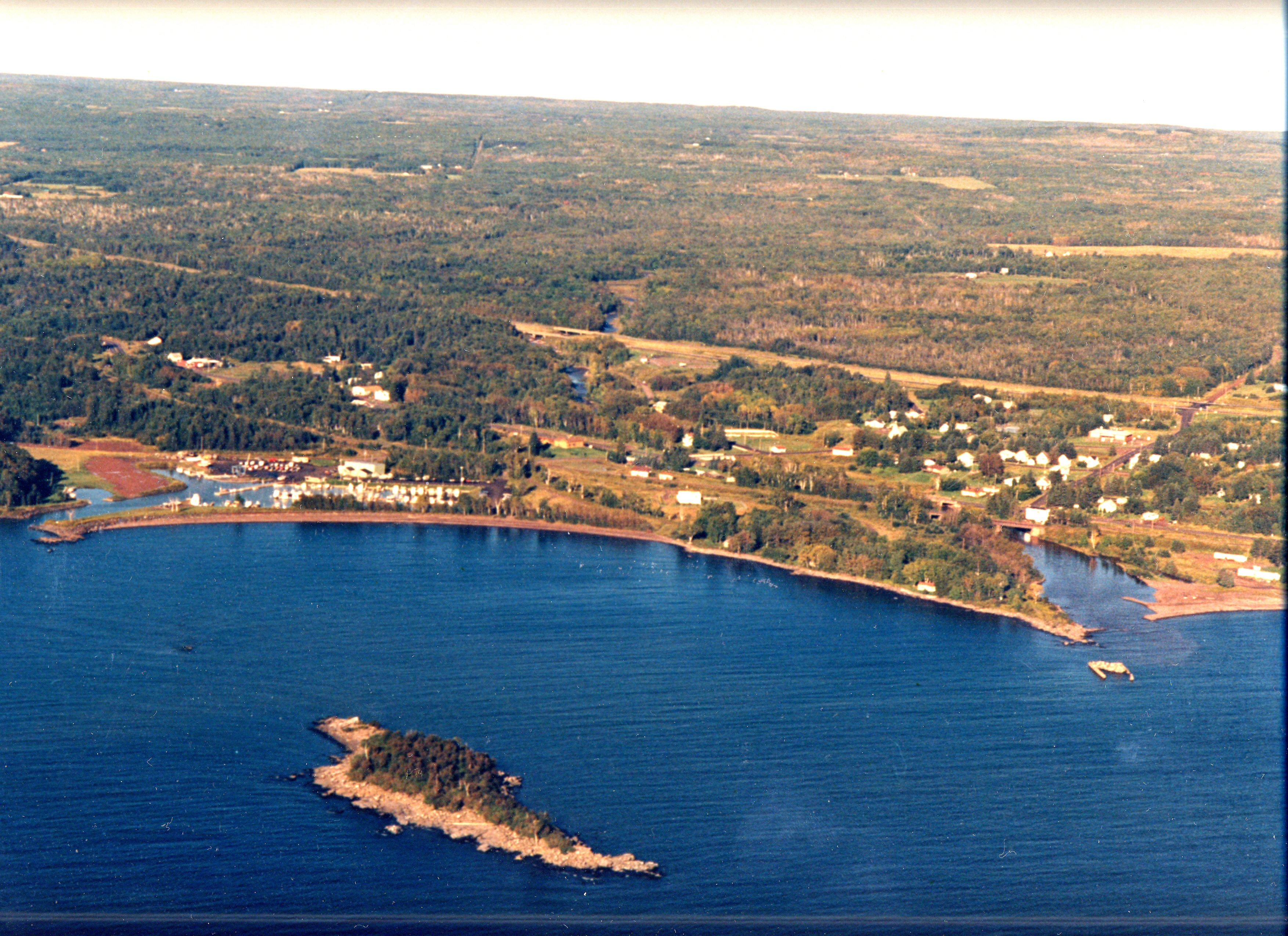Lake Superior Campground | Pictures > Knife River Campground